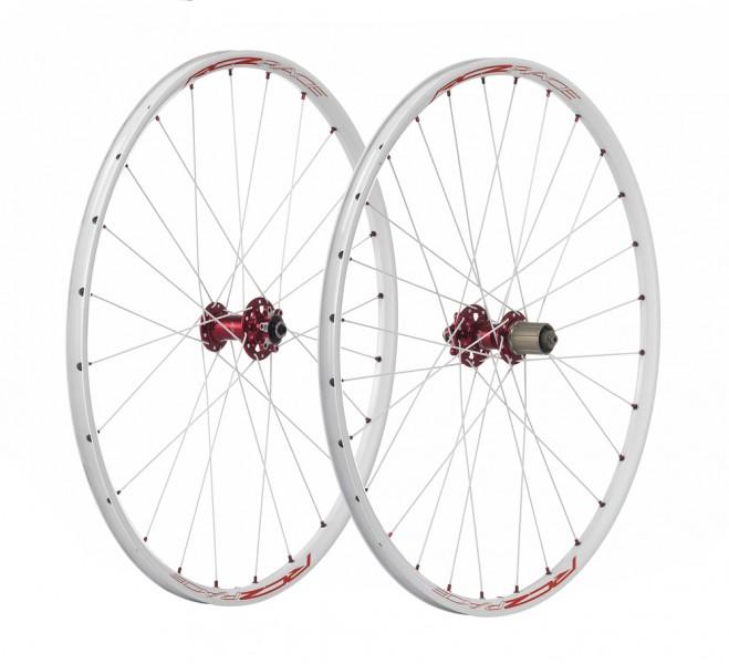 Wielen wit/rood 650b